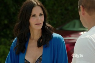 Courteney Cox sexy cleavage - Cougar Town s3e4 hd720p (3)