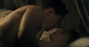 Diane Kruger nude in Joyeux Noel (2005) hd1080p. Very brief nudity.