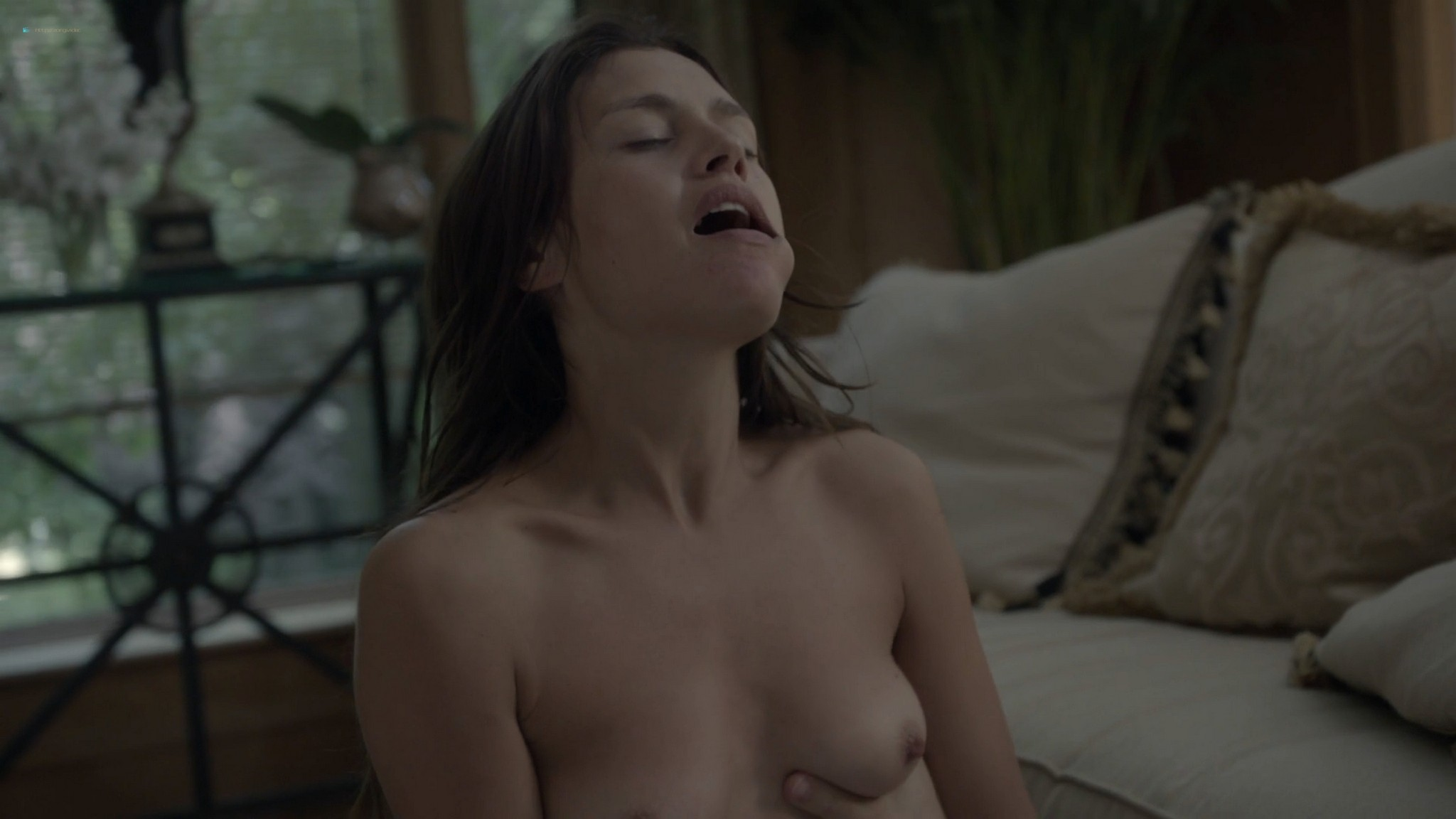 Hannah Ware nude and very hot sex in- Boss s2e8 (2012) HD 1080p (2)