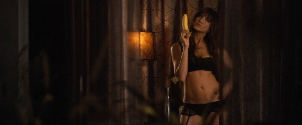 Jennifer Aniston sexy and very hot great cleavage and fine legs in - Horrible Bosses (2011) hd1080p (11)