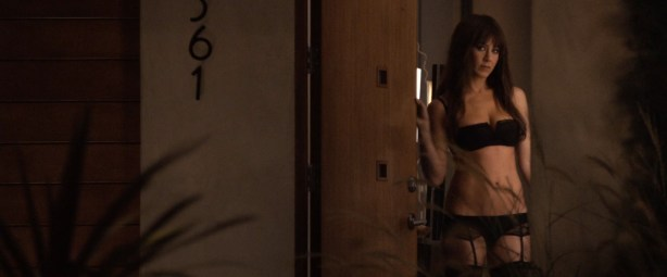 Jennifer Aniston sexy and very hot great cleavage and fine legs in - Horrible Bosses (2011) hd1080p (7)