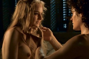Diane Kruger nude topless and nude butt in - Troy Director's Cut (2004) hd1080p (1)