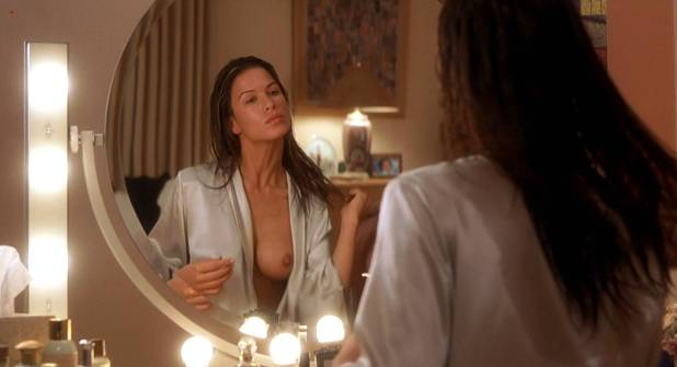 Kim Dickens nude Rhona Mitra nude topless and Elisabeth Shue hot - Hollow Man (2000) hd1080p (6)