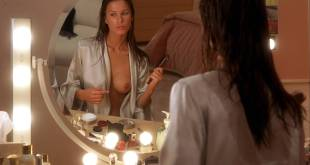 Kim Dickens nude Rhona Mitra nude topless and Elisabeth Shue hot - Hollow Man (2000) hd1080p (5)