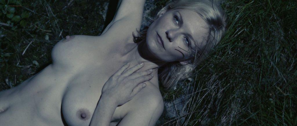 Kirsten Dunst nude topless in Lars von Trier's - Melancholia (2011) HD 1080p BluRay (3)