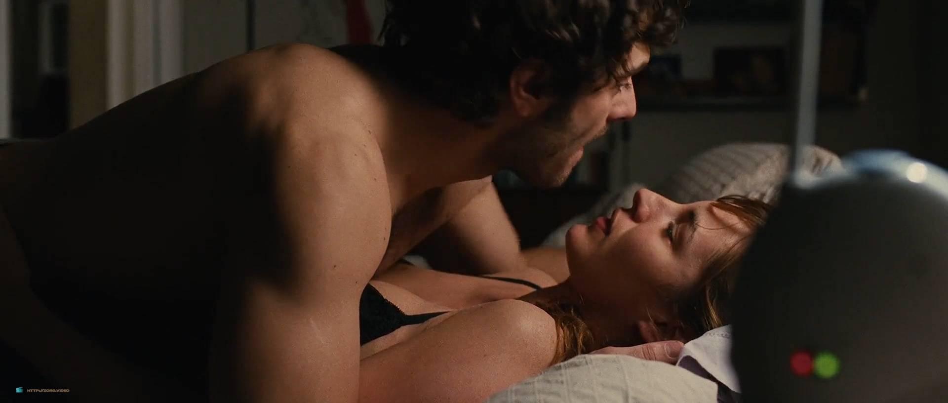 Louise Bourgoin nude and pregnant in - Unheureux événement (FR-2011) HD 1080p (6)