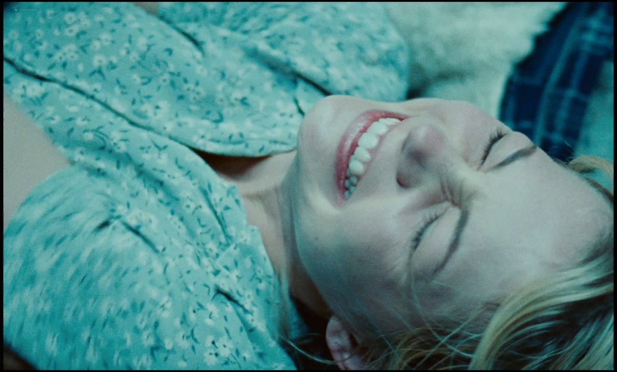 Michelle Williams nude topless and some hot sex - Blue Valentine HD 1080p BluRay REMUX (4)