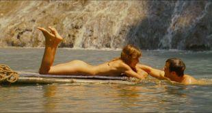 Milla Jovovich hot Kiele Sanchez nude butt and Marley Shelton hot- A Perfect Getaway (2009) HD 1080p BluRay (16)