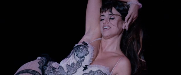 Penelope Cruz hot lingerie, Marion Cotillard and Fergie hot too - Nine (2009) HD 1080p BluRay (10)