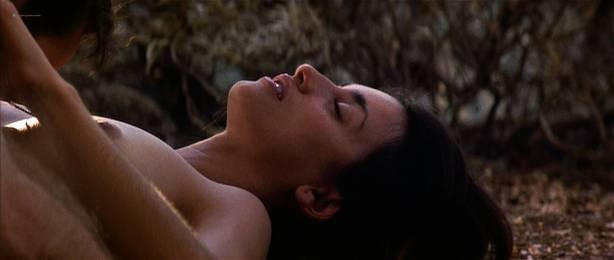 Penelope Cruz nude topless sex outdoors in - Captain Corelli' s Mandolin (2001) HD 1080p (10)