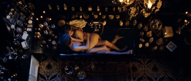 Laetitia Casta nude topless, Lucy Gordon hot, Ophélia Kolb nude - Gainsbourg Vie heroique (FR- 2010) hd1080p (20)