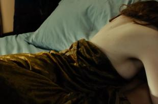 Emma Stone best moments sexy and smoking fetish - Gangster Squad (2013) hd720p