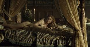 Holliday Grainger nude butt crack - The Borgias (2013) s3e2 HD 1080p (6)