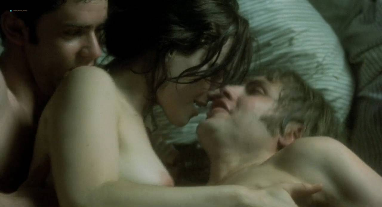 Kate Winslet and Rebecca Palmer naked Amelia Warner hot sexy - Quills (2000) HD 720p (10)