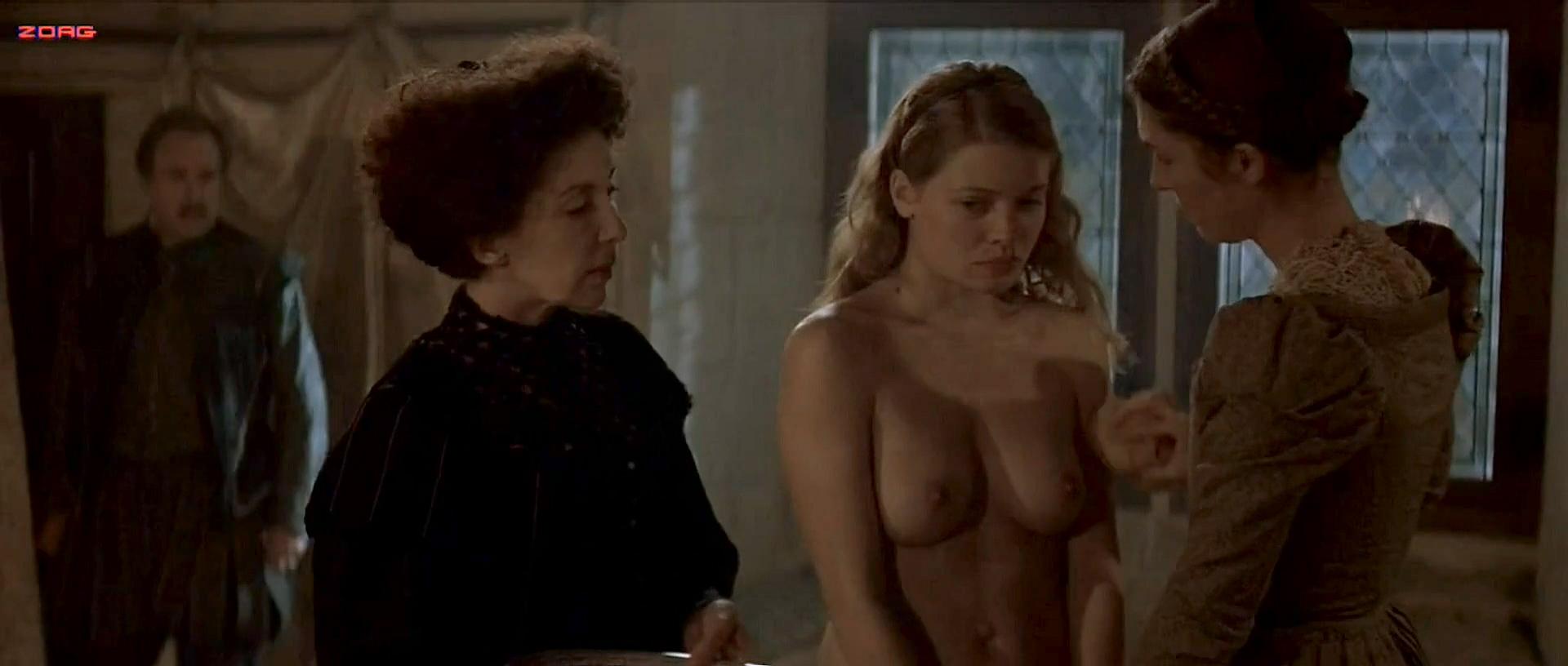 Thierry nude melanie Mélanie Thierry