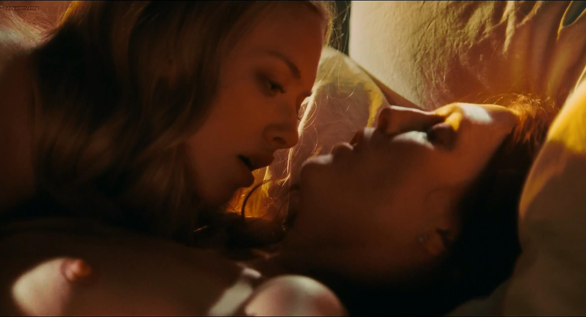 Amanda Seyfried Nude Topless Sex And Lesbian And Julianne -6339