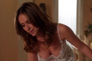 Jennifer Love Hewitt busty hot and huge cleavage - Client List s2e12 (2013) hd1080p (2)
