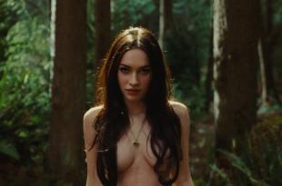 Megan Fox hot sexy and wet and Amanda Seyfried not nude but sexy – Jennifer's Body (2009) hd1080p