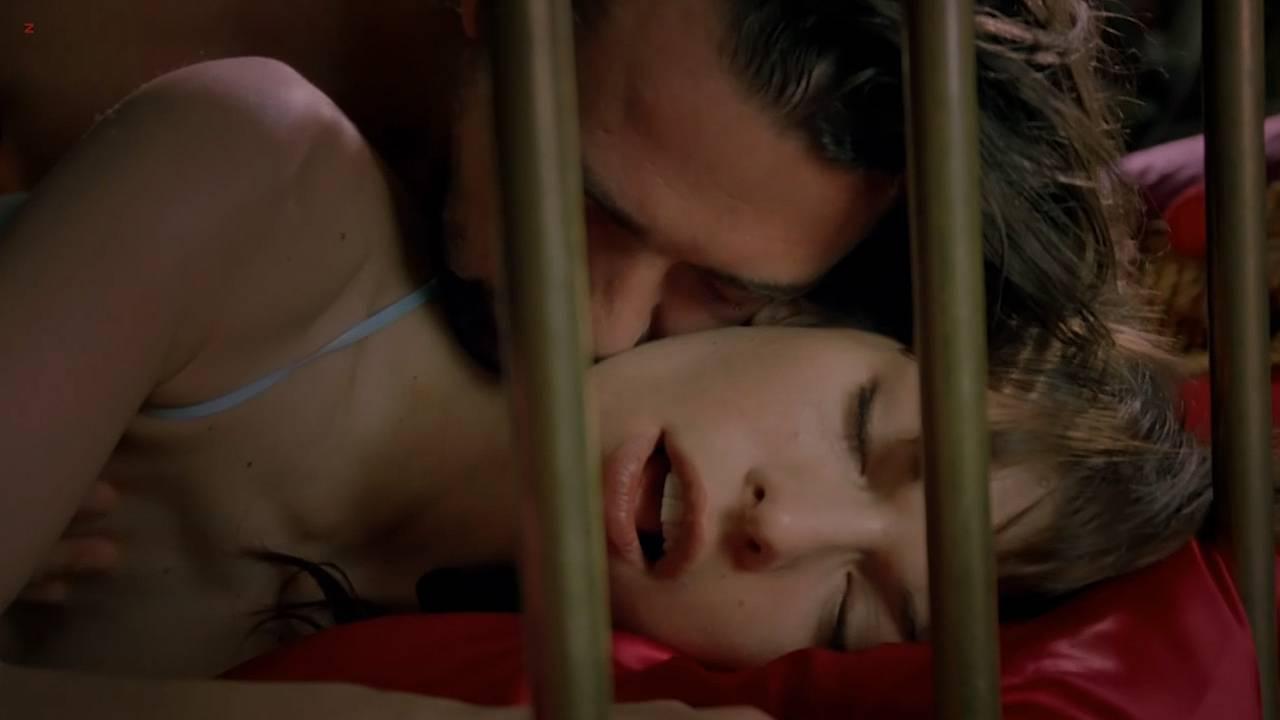 Milla Jovovich nude sex lesbian - .45 (2006) hd720p (15)