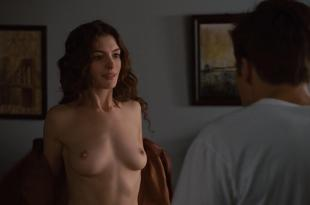 Anne Hathaway nude topless sex – Love and other drugs (2010) hd1080p