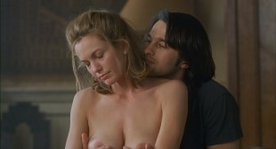 Diane Lane nude hot sex and nude boobs in the bath - Unfaithful (2002) hd1080p BluRay