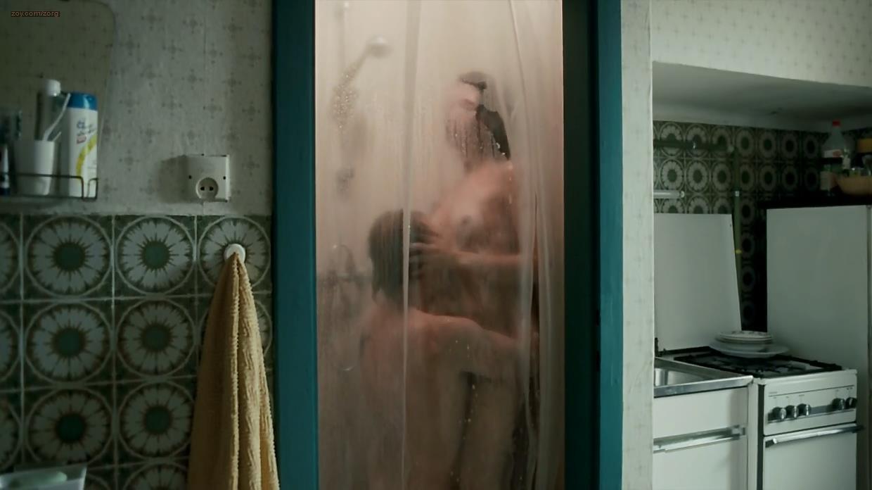 2008 naked shower