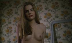 Isabelle Carre nude full frontal and nude butt topless - La femme defendue (1997)