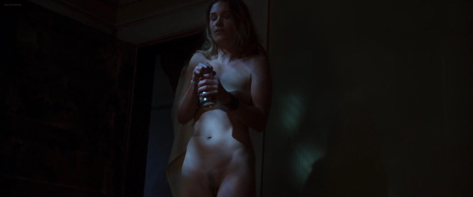 Wrong turn movie nude scenes