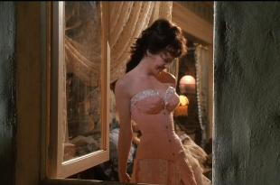 Lysette Anthony hot and busty Darla Haun and Karen Roe all hot and busty – Dracula Dead and Loving It (1995) hd720p