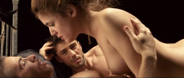 Adriana Ugarte nude topless and sex threesome - Lo contrario al amor (SP-2011) HD 1080p 3