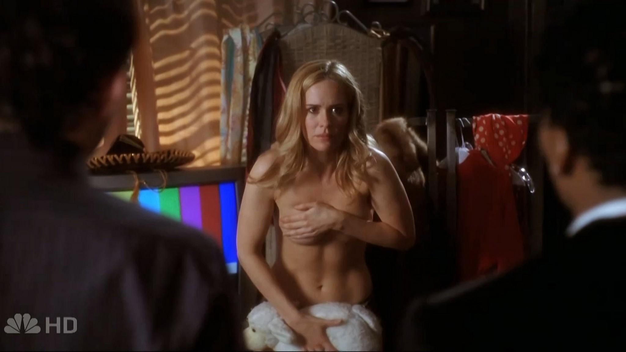 Sarah Paulson sexy - Studio 60 on the Sunset Strip (2006) s1e6 HD 720p (1)