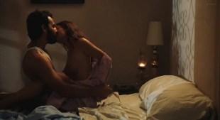 Gabrielle Anwar nude side boob and sex - 9/Tenths (2006)
