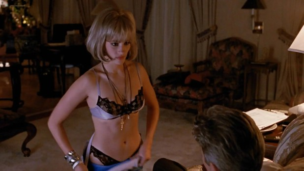Julia Roberts nude nipple and hot - Pretty Woman (1990) HD 1080p BluRay (8)