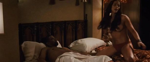 Paula Patton nude topless and hot while riding Denzel Washington - 2 Guns (2013) hd1080p
