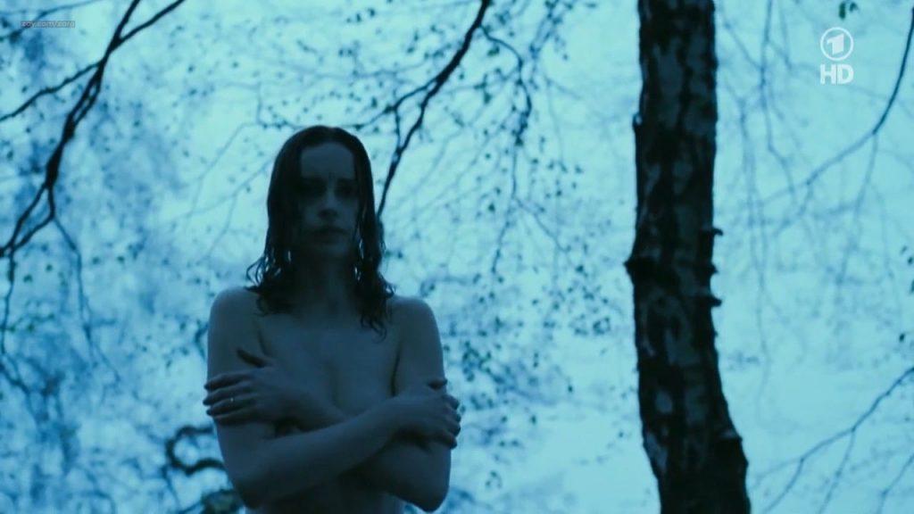 Nina Hoss nude full frontal bush and skinny dipping - Das Herz ist ein dunkler Wald (2008) HDTV 720p (6)