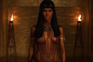Patricia Velasquez hot and sexy – The Mummy (1999) hd1080p