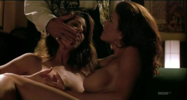 Tammy Parks nude lesbian sex - Illegal in Blue (1995) hdtv720p