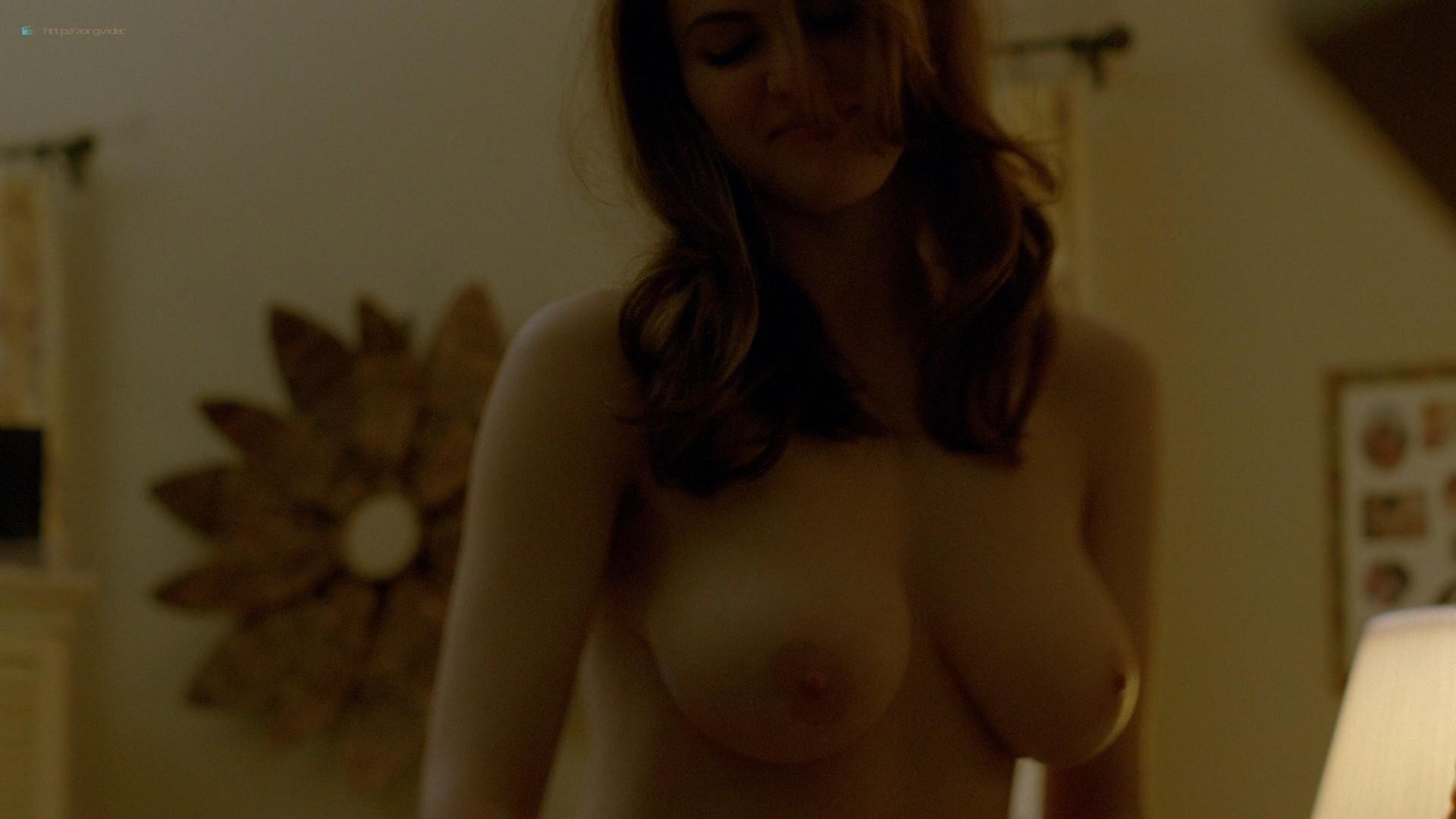 Alexandra Daddario nude topless (15)