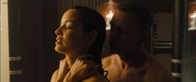 Bérénice Marlohe hot sexy and sex in the shower - Skyfall (2012) hd1080p (8)