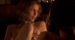 Laetitia Casta nude butt naked topless and hot sex - Nés en 68 (2008) HD 1080p (4)