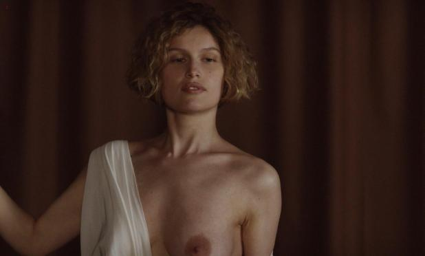 Laetitia Casta nude topless and very hot - La jeune fille et les loups (2007) hd1080p