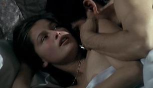 Laetitia Casta nude topless butt and sex - La Bicyclette Bleue (2000)