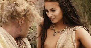 Mélanie Bernier nude topless - His Majesty Minor (2007) (4)
