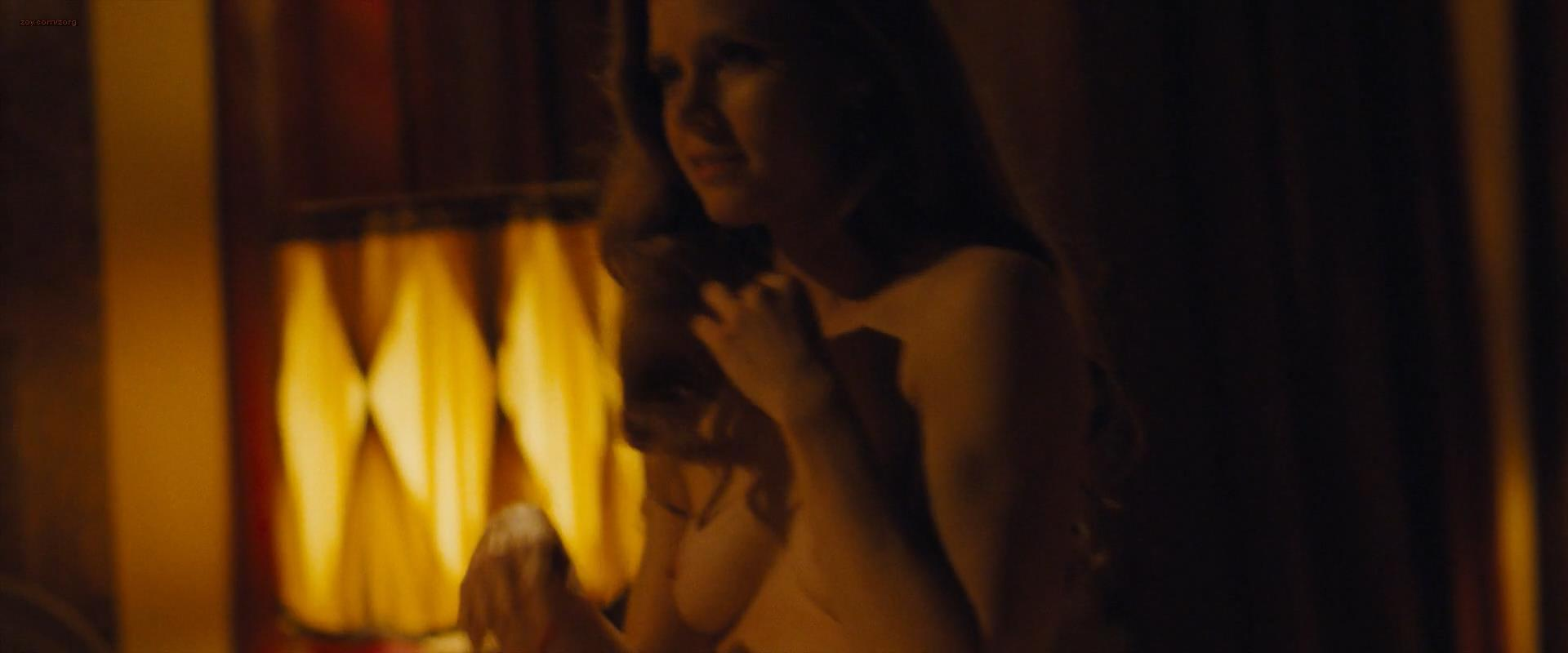 Amy Adams nude briefly topless - American Hustle (2013) hd1080p