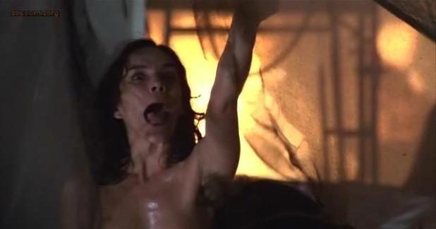 Brooke Adams nude bush and topless in cult horror movie - Invasion of the Body Snatchers (1978)