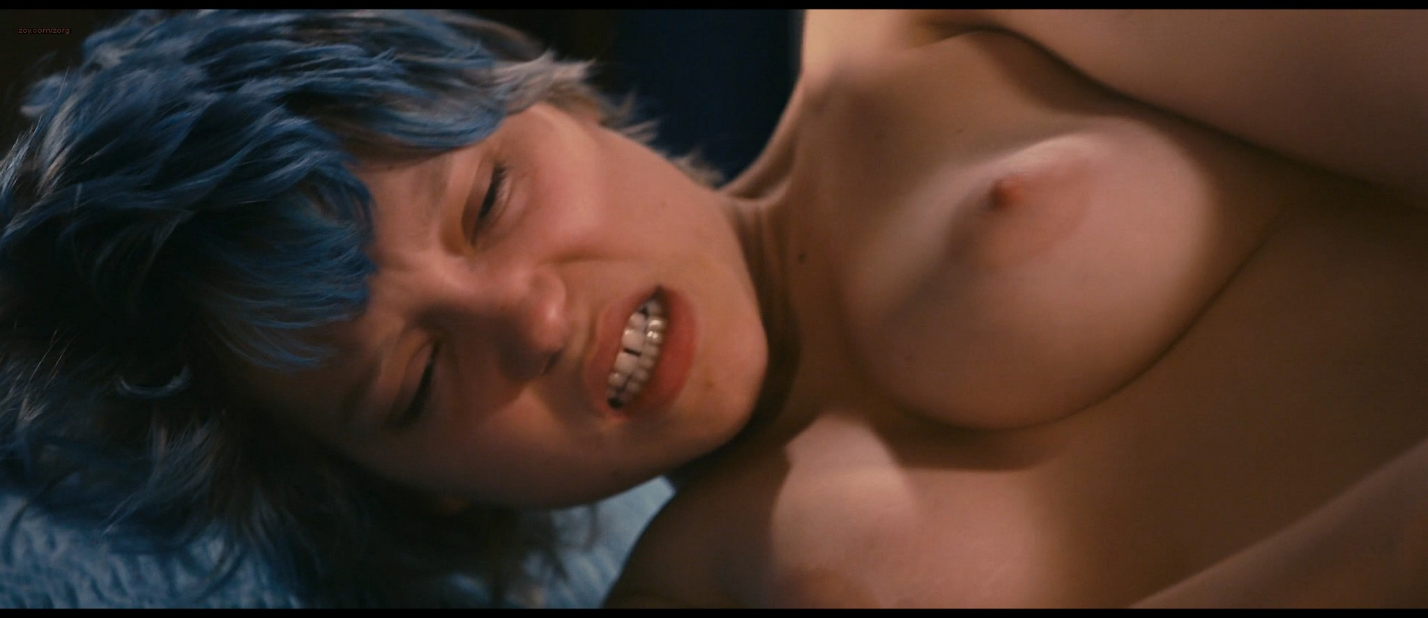 Lea Seydoux and Adele Exarchopoulos in explicit lesbian sex all nude - Blue Is the Warmest Color (2013) HD 1080p BluRay (7)