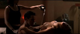 Denise Richards nude sex threesome with Neve Campbell - Wild Things (1998) HD 1080p BluRay