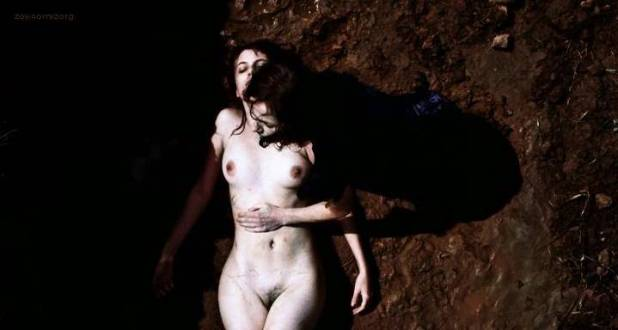 Melanie Laurent nude full frontal in - L' amour cache (2007) (2)