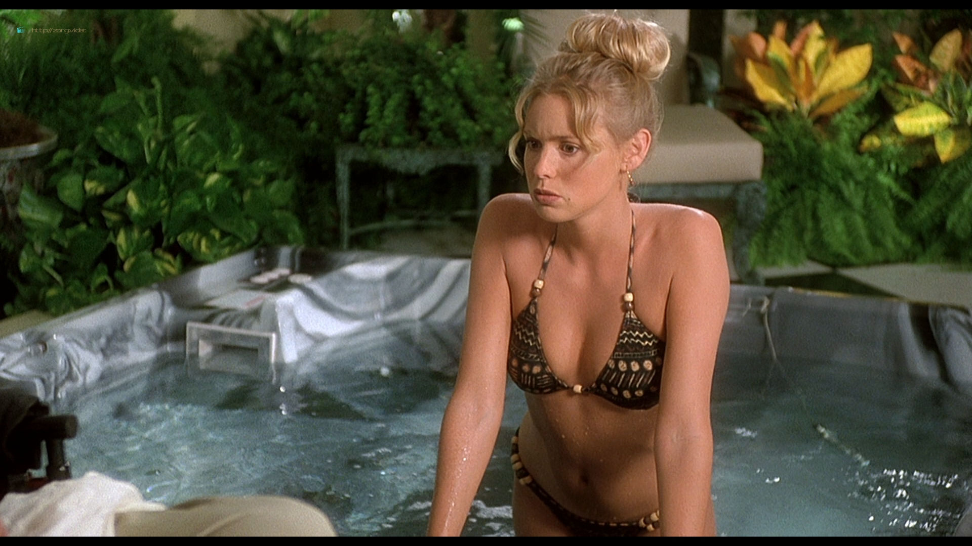 Olivia d'Abo hot and sexy in bikini and Nancy Travis hot in - Greedy (1994) HD 1080p BluRay (9)