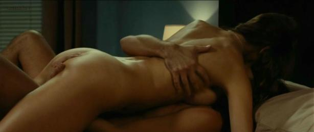 Elsa Pataky nude topless butt wet and nude bondage in - Di Di Hollywood (2010)